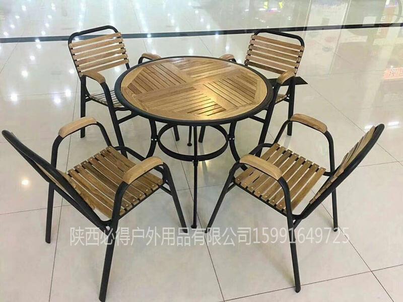 户外木质休闲桌椅