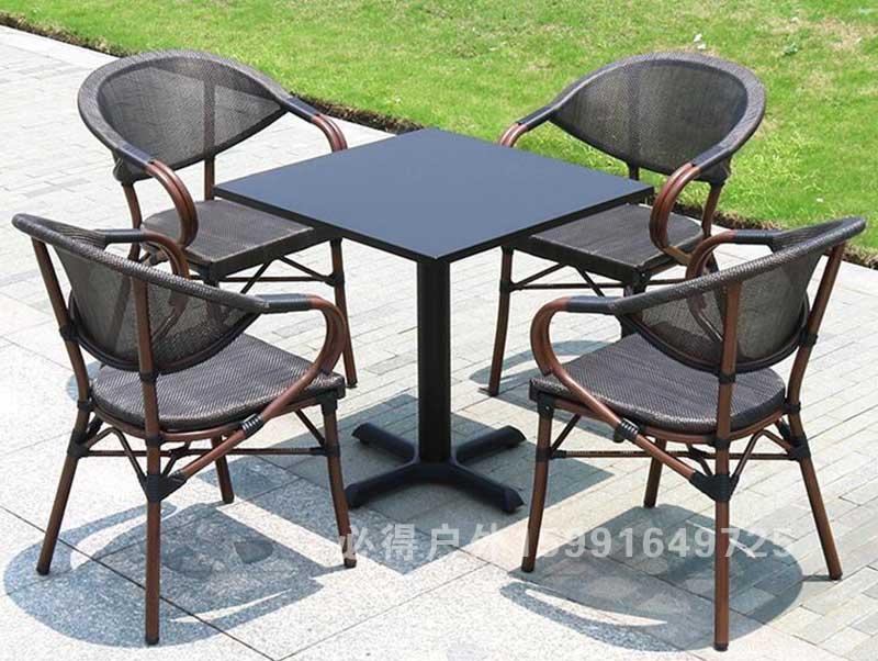 星巴克桌椅02