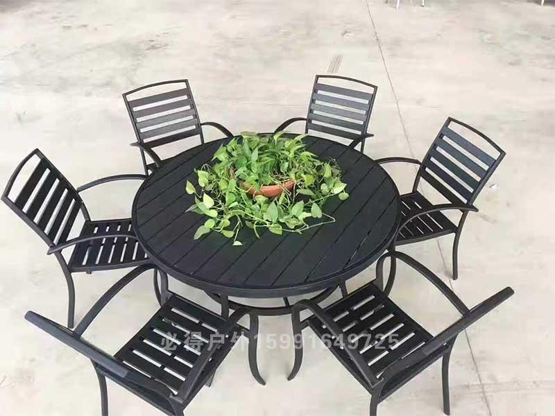 塑木休闲桌椅